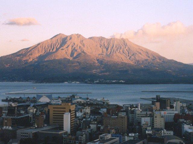 http://www.funatsudenshi.com/toshi_nishida/fudoki/kagoshima990611/kagoshima.jpg